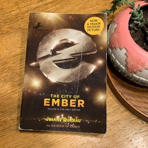 🏆2•4•1 City of Ember book📚 Jeanne Duprau